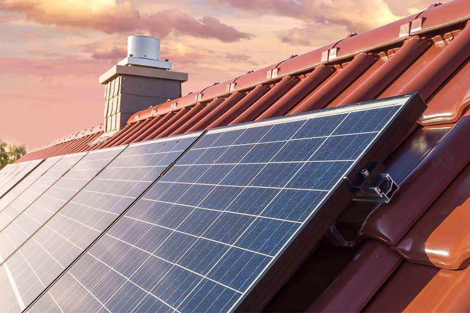 https://dev.pro-ec.de/wp-content/uploads/2020/10/bauer-solarmodule-bs-garantierte-leistung-langlebigkeit-compressor.jpg